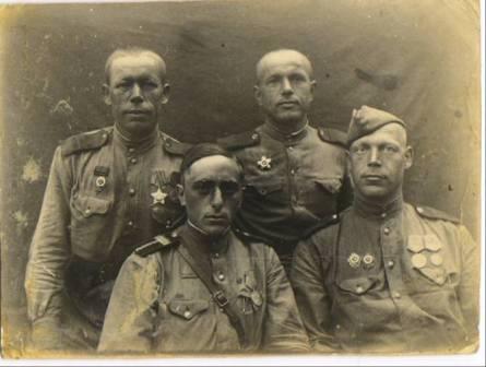 А.Бушков  и его товарищи